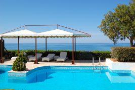 Alberghi di lusso a Creta, ecco le catene alberghiere al top per servizi